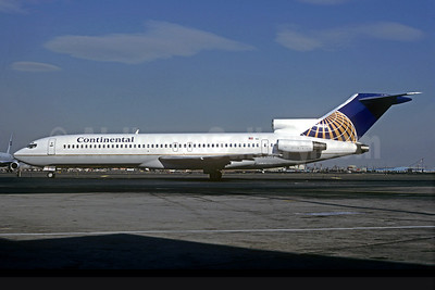 Continental Airlines Boeing 727-227 N79754 (msn 21363) EWR (Christian Volpati Collection). Image: 930286.
