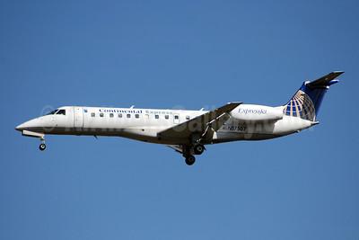 Continental Express-ExpressJet Airlines Embraer ERJ 135ER (EMB-135ER) N17507 (msn 145215) IAD (Bruce Drum). Image: 100736.