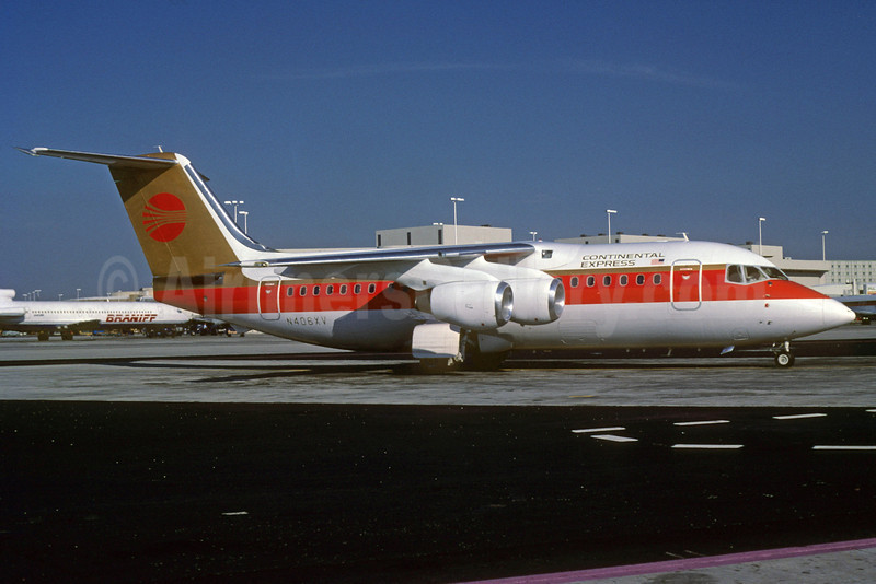 Continental Express-Presidential Airways BAe 146-200 N406XV (msn E2062) MIA (Bruce Drum). Image: 103068.