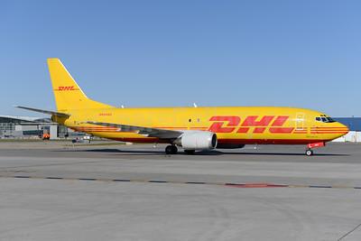 DHL-Southern Air (2nd) Boeing 737-4H6 (F) N494SA (msn 27674) YYC (Ton Jochems). Image: 933257.