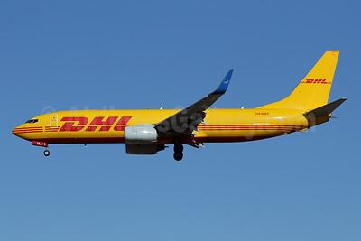 DHL - iAero Airways Boeing 737-86J (F) WL N916SC (msn 30498) LAX (James Helbock). Image: 952922.
