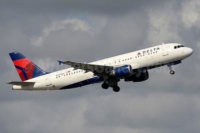Delta Air Lines Airbus A320-212 N357NW (msn 830) FLL (Jay Selman). Image: 403486.