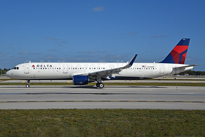 Delta Air Lines Airbus A321-211 WL N316DN (msn 7327) FLL (Bruce Drum). Image: 104460.