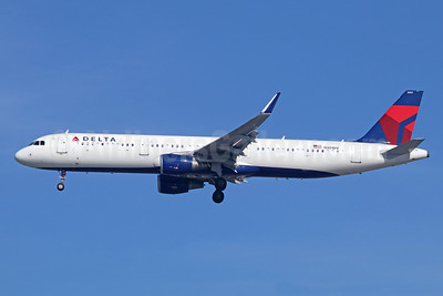 Delta Air Lines Airbus A321-211 WL N301DV (msn 6923) LAX (Michael B. Ing). Image: 941521.