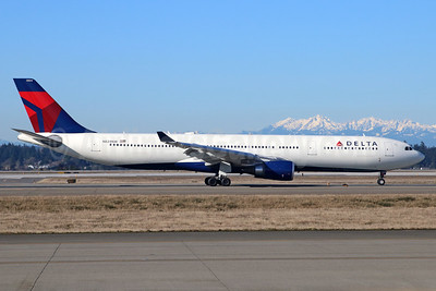 Delta Air Lines Airbus A330-302 N824NW (msn 1637) SEA (Michael B. Ing). Image: 937960.