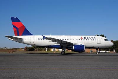 Delta Air Lines Airbus A319-114 N330NB (msn 1549) CLT (Bruce Drum). Image: 102007.