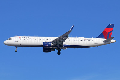 Delta Air Lines Airbus A321-211 WL N310DN (msn 7293) LAX (Michael B. Ing). Image: 941524.