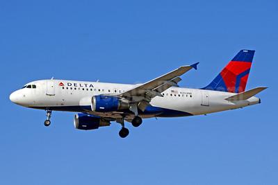 Delta Air Lines Airbus A319-114 N353NB (msn 1828) LAX (Jay Selman). Image: 403645.