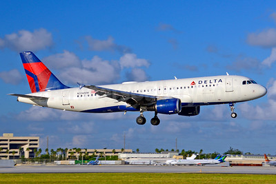 Delta Air Lines Airbus A320-211 N336NW (msn 355) MIA (Jay Selman). Image: 403683.