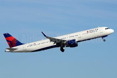 Delta Air Lines Airbus A321-211 WL N302DN (msn 7031) FLL (Jay Selman). Image: 403526.