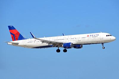 Delta Air Lines Airbus A321-211 WL N307DX (msn 7214) FLL (Bruce Drum). Image: 104454.