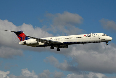 Delta Air Lines McDonnell Douglas MD-88 N968DL (msn 53161) MIA (Jay Selman). Image: 403490.