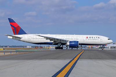 Delta Air Lines Boeing 777-232 LR N710DN (msn 40560)  LAX. Image: 940512.