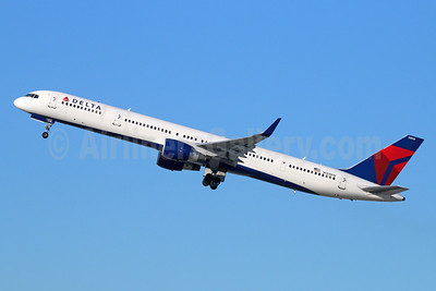 Delta Air Lines Boeing 757-351 WL N588NW (msn 32988) LAX (Michael B. Ing). Image: 943067.