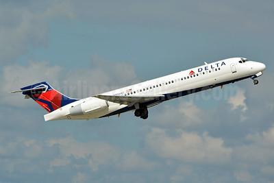 Delta Air Lines Boeing 717-2BD N956AT (msn 55018) FLL (Jay Selman). Image: 402855.