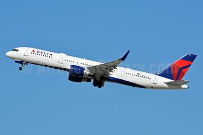 Delta Air Lines Boeing 757-231 WL N723TW (msn 29378) LAX (Jay Selman). Image: 402960.