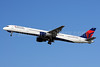 Delta Air Lines Boeing 757-351 N586NW (msn 32987) FLL (Bruce Drum). Image: 101776.