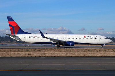 Delta Air Lines Boeing 737-932 ER WL N815DN (msn 31926) SEA (Michael B. Ing). Image: 937950.