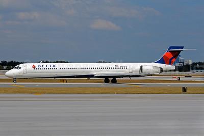 Delta Air Lines McDonnell Douglas MD-90-30 N902DA (msn 53382) FLL (Bruce Drum). Image: 101323.