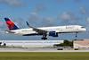 Delta Air Lines Boeing 757-251 WL N553NW (msn 26500) FLL (Jay Selman). Image: 402858.