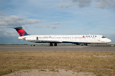Delta Air Lines McDonnell Douglas MD-88 N994DL (msn 53346) JFK (Fred Freketic). Image: 950150.