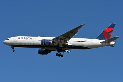 Delta Air Lines Boeing 777-232 ER N861DA (msn 29952) JFK (Fred Freketic). Image: 937030.