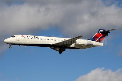 Delta Air Lines Boeing 717-2BD N955AT (msn 55017) YYZ (Jay Selman). Image: 403354.