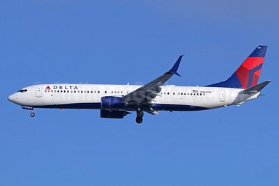 Delta Air Lines Boeing 737-932 ER SSWL N860DN (msn 31971) LAX (Michael B. Ing). Image: 937945.