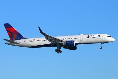 Delta Air Lines Boeing 757-251 WL N541US (msn 26488) LAX (Michael B. Ing). Image: 938488.