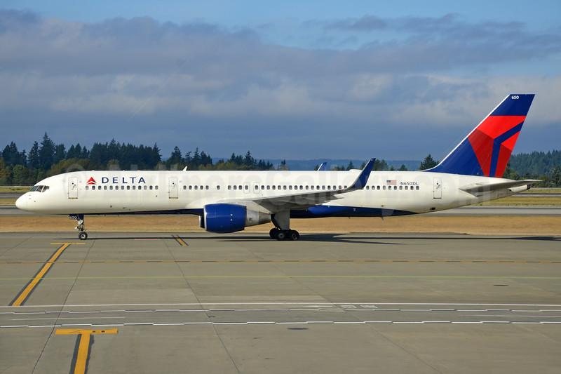 Delta Air Lines Boeing 757-232 WL N650DL (msn 24390) SEA (Bruce Drum). Image: 103679.