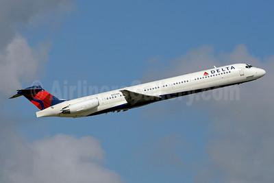 Delta Air Lines McDonnell Douglas MD-88 N901DE (msn 53378) FLL (Jay Selman). Image: 403487.