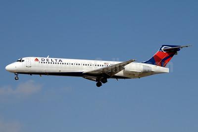 Delta Air Lines Boeing 717-2BD N950AT (msn 55012) LAS (Jay Selman). Image: 403301.