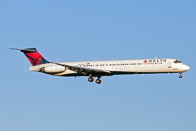 Delta Air Lines McDonnell Douglas MD-88 N906DE (msn 53415) JFK (Fred Freketic). Image: 950147.