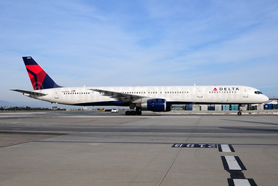 Delta Air Lines Boeing 757-351 N589NW (msn 32989) LAX (Ton Jochems). Image: 954385.