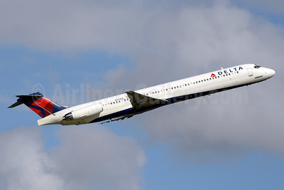 Delta Air Lines McDonnell Douglas MD-88 N914DL (msn 49545) FLL (Jay Selman). Image: 403488.