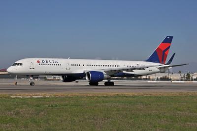 Delta Air Lines Boeing 757-2Q8 WL N704X (msn 28163) LAX (Ton Jochems). Image: 954382.