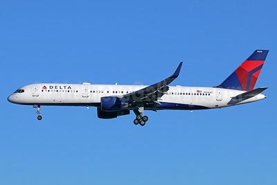 Delta Air Lines Boeing 757-251 WL N536US (msn 26483) SEA (Michael B. Ing). Image: 937952.