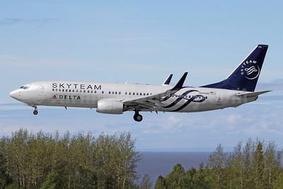 Delta Air Lines Boeing 737-832 WL N3755D (msn 29627) (SkyTeam) ANC (Michael B. Ing). Image: 944237.