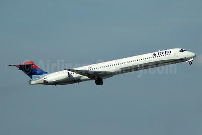 Delta Air Lines McDonnell Douglas MD-88 N904DL (msn 49535) PBI (Bruce Drum). Image: 104415.