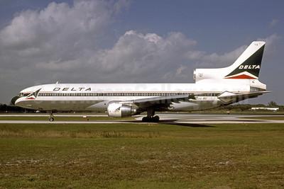 Delta Air Lines Lockheed L-1011-385-1 TriStar 1 N715DA (msn 1092) FLL (Bruce Drum). Image: 105535.