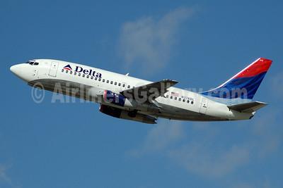 Delta Air Lines Boeing 737-247 N376DL (msn 23603) FLL (Bruce Drum). Image: 100081.