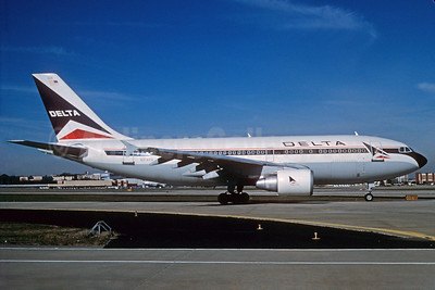 Delta Air Lines Airbus A310-324 N814PA (msn 450) ATL (Norbert G. Raith). Image: 912039.