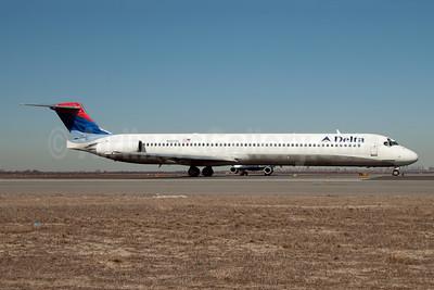 Delta Air Lines McDonnell Douglas MD-88 N907DL (msn 49538) JFK (Fred Freketic). Image: 950148.
