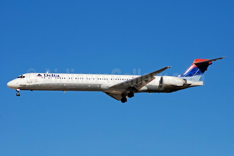 Delta Air Lines McDonnell Douglas MD-90-30 N903DA (msn 53383) LAS (Bruce Drum). Image: 100749.