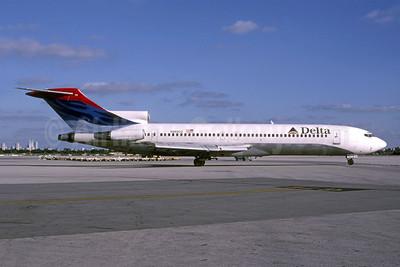 Delta Air Lines Boeing 727-225 N8890Z (msn 21859) MIA (Bruce Drum). Image: 105282.