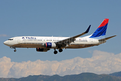 Delta Air Lines Boeing 737-832 WL N395DN (msn 30773) SLC (Bruce Drum). Image: 103911.