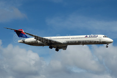 Delta Air Lines McDonnell Douglas MD-88 N994DL (msn 53346) FLL (Bruce Drum). Image: 104416.