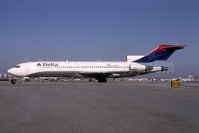 Delta Air Lines Boeing 727-247 N282WA (msn 21484) LAX (Roy Lock). Image: 949804.