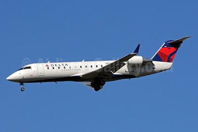Delta Connection-ASA (Atlantic Southeast Airlines) Bombardier CRJ200 (CL-600-2B19) N855AS (msn 7395) ATL (Bruce Drum). Image: 101239.