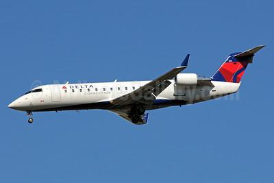 Delta Connection-ASA (Atlantic Southeast Airlines) Bombardier CRJ200 (CL-600-2B19) N922EV (msn 7822) ATL (Bruce Drum). Image: 101242.